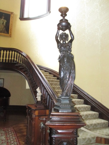 missouri governor's mansion statue,lady statue,